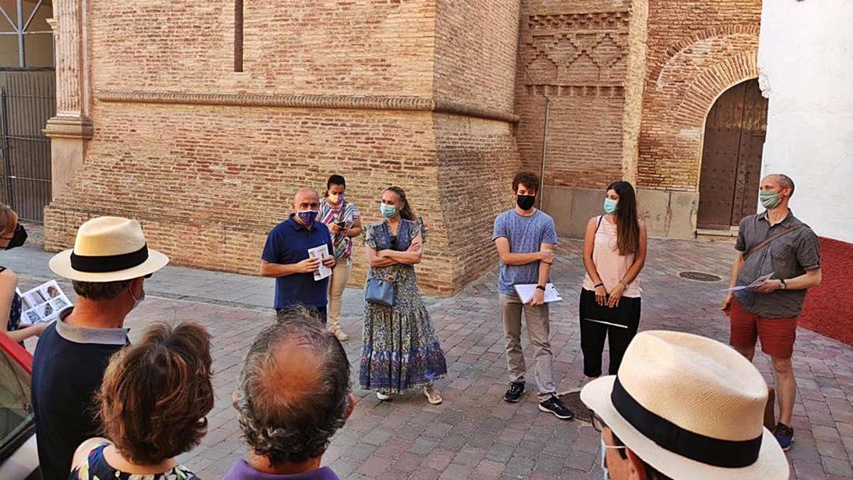 Presentación del itinerario del proyecto Mudetrad por parte del alcalde de Longares.    SERVICIO ESPECIAL