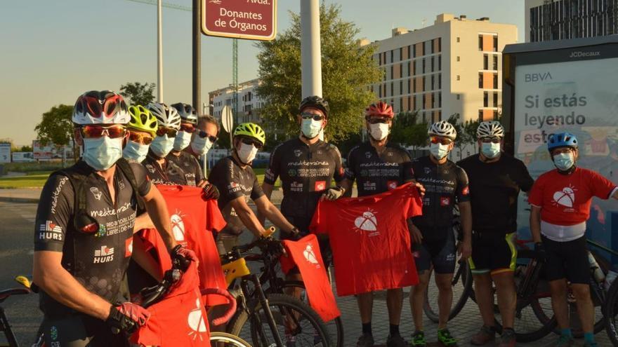 Un grupo de ciclistas recorre 18 kilómetros del centro de Córdoba por la donación de órganos