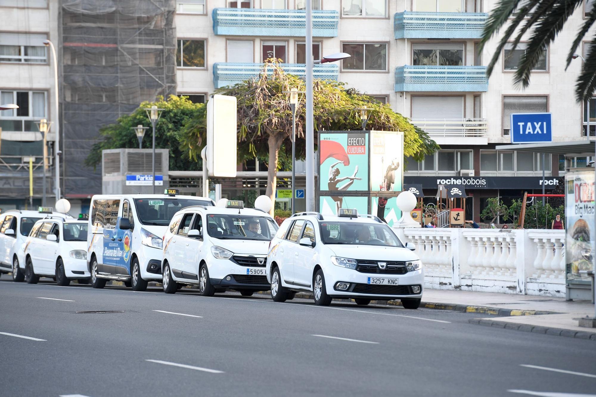 Huelga de guaguas y taxis en la capital grancanaria