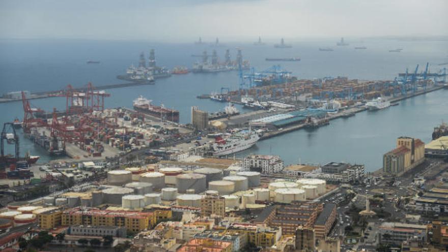 El Puerto crece un 14% en enero impulsado por los combustibles