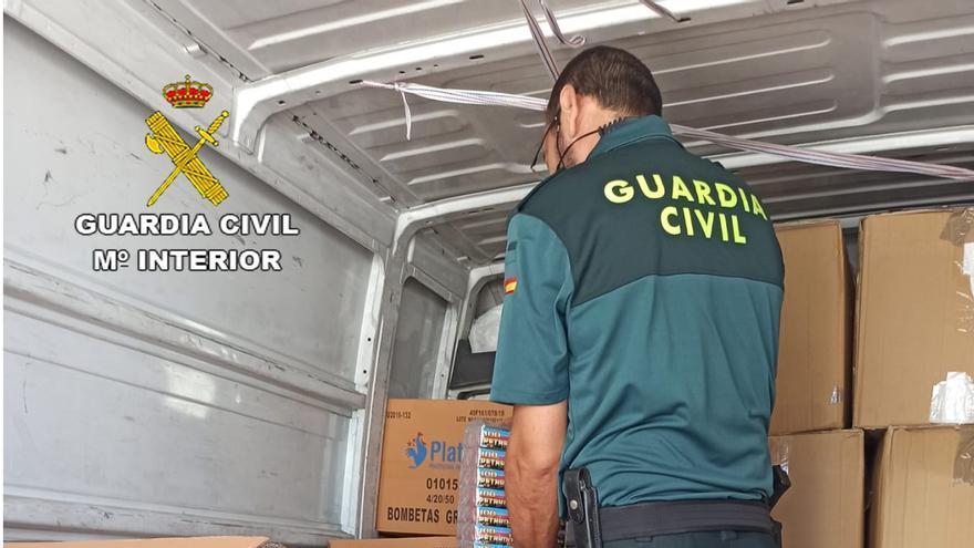 Más de 200.000 artículos pirotécnicos intervenidos por la Guardia Civil en Cartagena