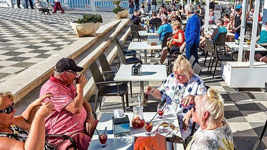 La provincia se juega en la desescalada su salud, pero también su futuro económico y social