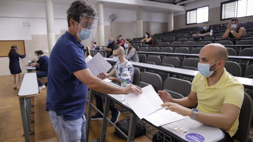 La ULL afronta sus primeros exámenes presenciales desde el inicio de la crisis