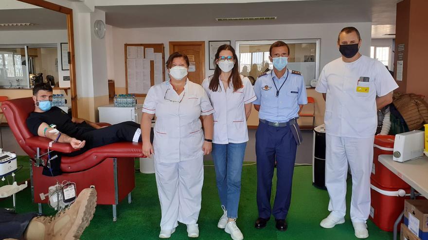 El ICHH traslada sus equipos a la Base Aérea de Gando para potenciar la donación de sangre