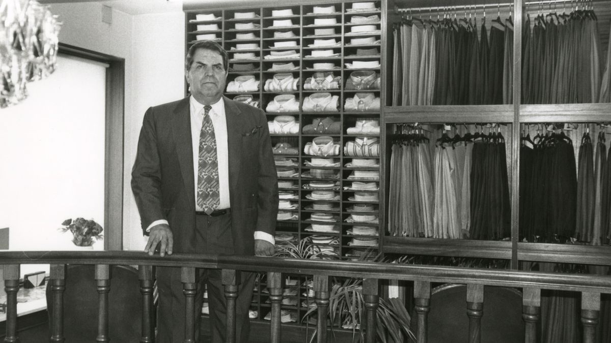 Felipe Mayado, en el interior de su empresa.