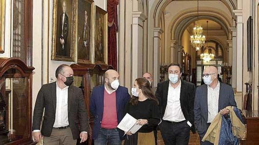 La Diputación se compromete a aportar inversión para la ampliación del hospital
