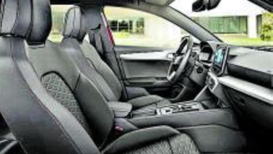 El nuevo SEAT León e-Hybrid, en Ginés Huertas Cervantes