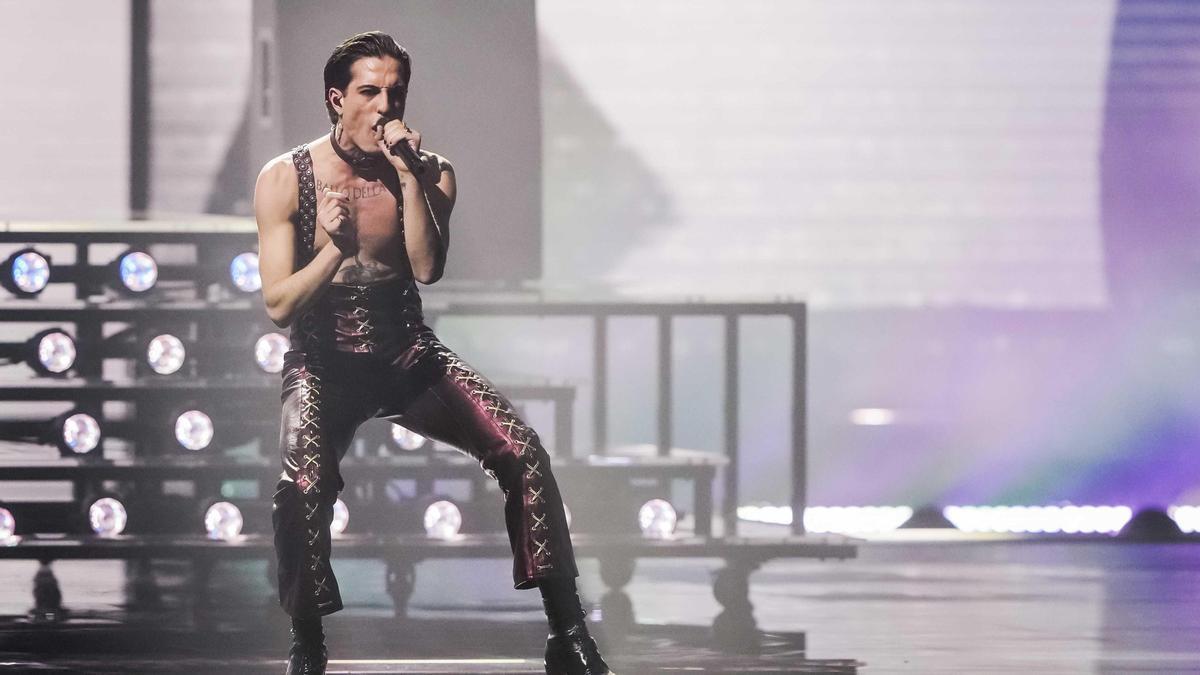 Damiano David, el cantante del grupo Maneskin en la final de Eurovisión.
