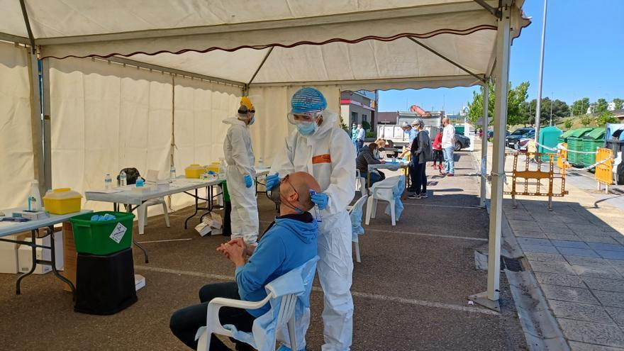 Éxito de participación en la jornada de cribados masivos y vacunación en Mérida
