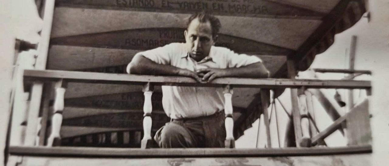 Arturo Almazán hijo, en una atracción en el año 1949.  familia almazán |
