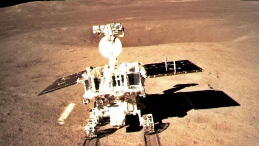 """La NASA halla """"indicios inequívocos"""" de que hay agua en la superficie de la Luna"""