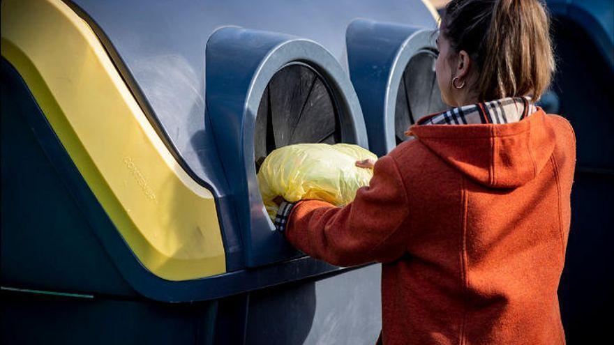 Siete de cada diez canarios reciclan en casa los envases del contenedor amarillo