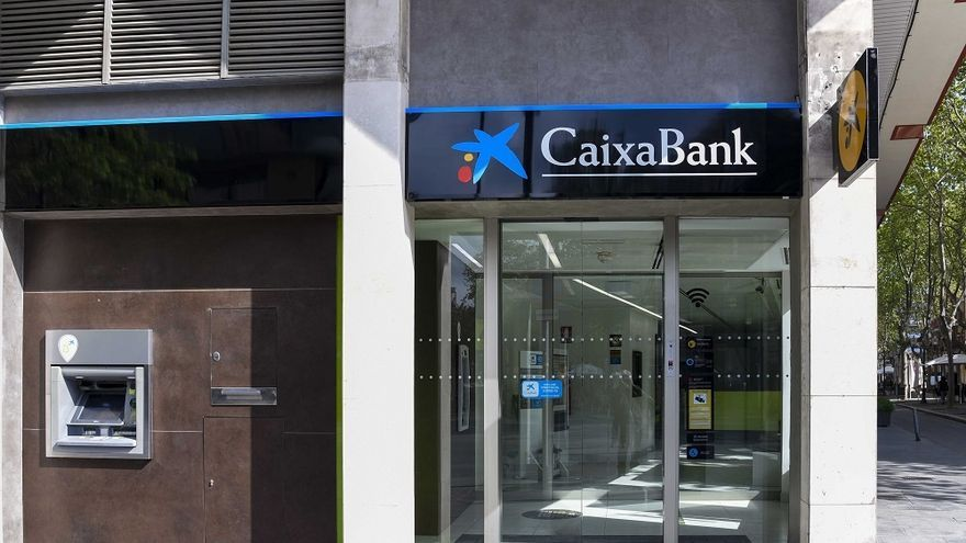 CaixaBank concluye la unificación de la marca en la red de oficinas
