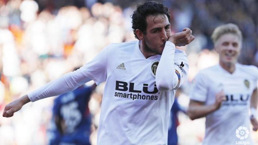Un gol en el descuento salva al Valencia frente al colista