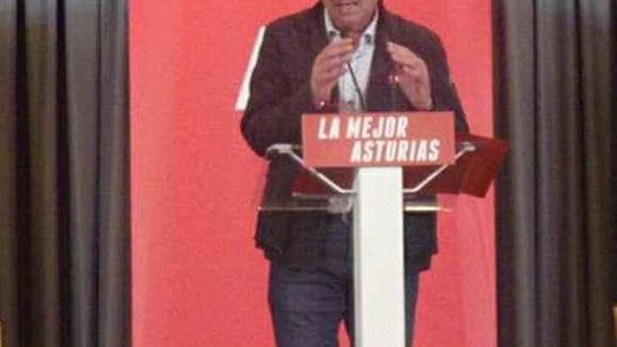 """El Alcalde afirma que la carretera a Soto de Agues """"es muy necesaria"""""""