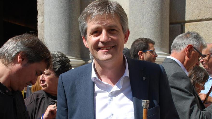 La renúncia de Serret obriria les portes del Parlament a l'alcalde de Solsona