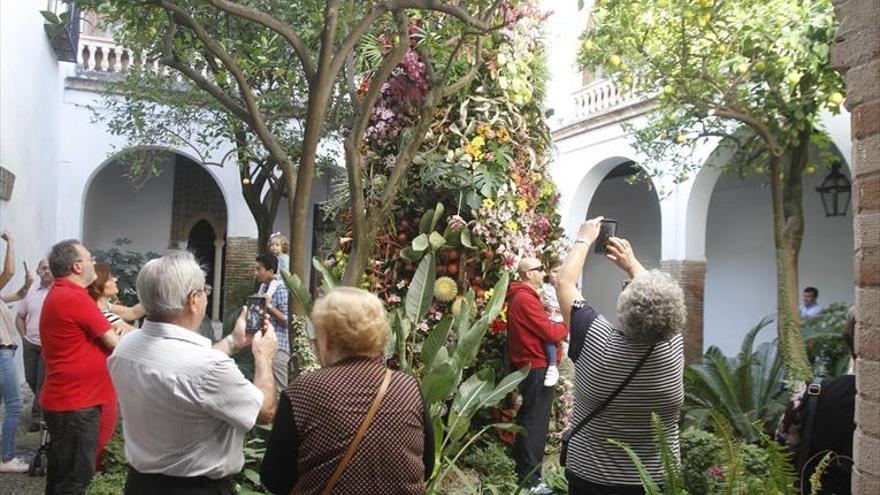 Flora cierra al público tras recibir más de 300.000 visitas en solo diez días