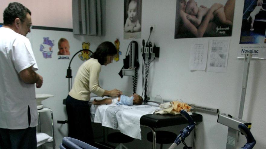 Los pediatras advierten de que la saturación que sufren puede dejar casos graves sin atender