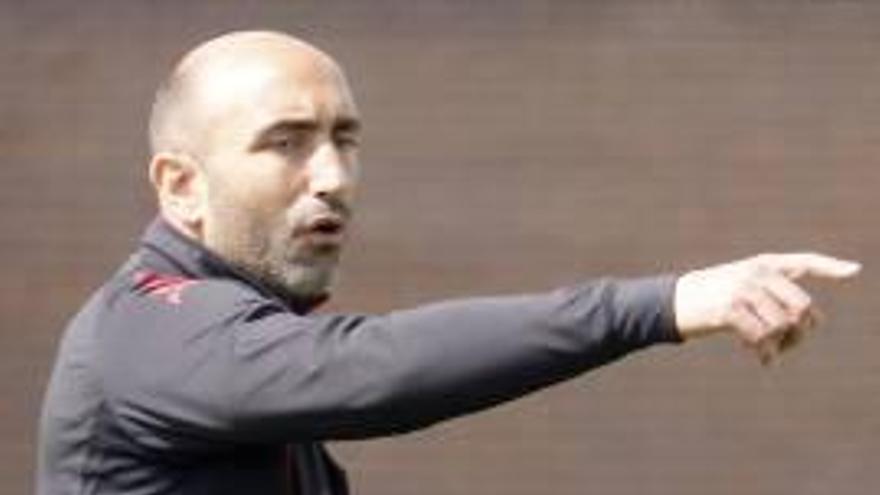 Abelardo espera un partido entre «dos necesitados»