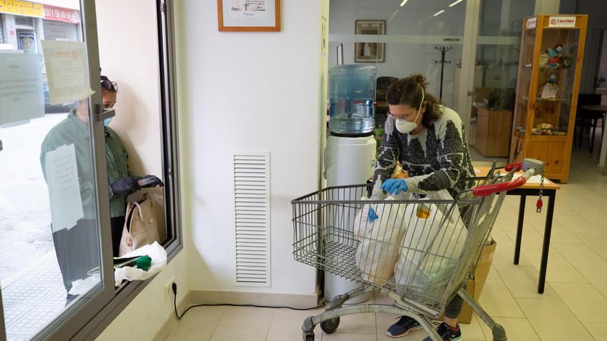 Cáritas Ibiza pide ayuda para no quedarse sin productos en el banco de alimentos