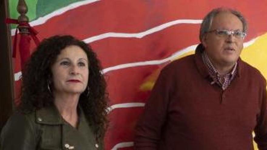 Pedro Requejo, junto a la candidata al Senado por Vox, Inmaculada Benéitez