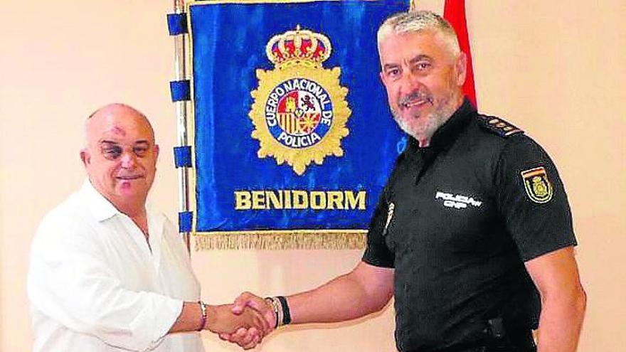 Herido el alcalde de Callosa d'en Sarrià al ayudar a una turista y forcejear con un ladrón en Benidorm
