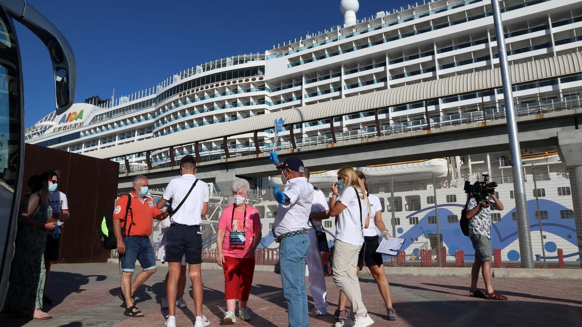 Llega el primer crucero internacional al puerto de Málaga tras la pandemia