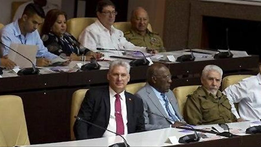 Díaz-Canel, ratificado como presidente de Cuba tras la reforma constitucional
