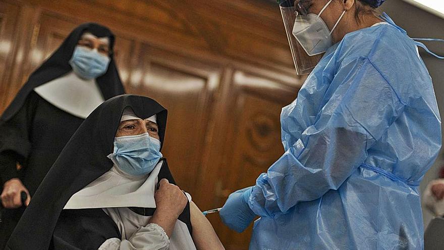 Los geriátricos gallegos tienen 204 ancianos infectados y registran uno de cada tres muertos