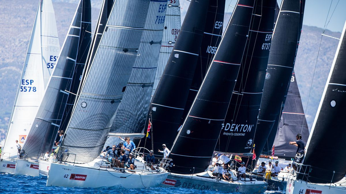 La flota de BMW ORC 3 durante la pasada edición.