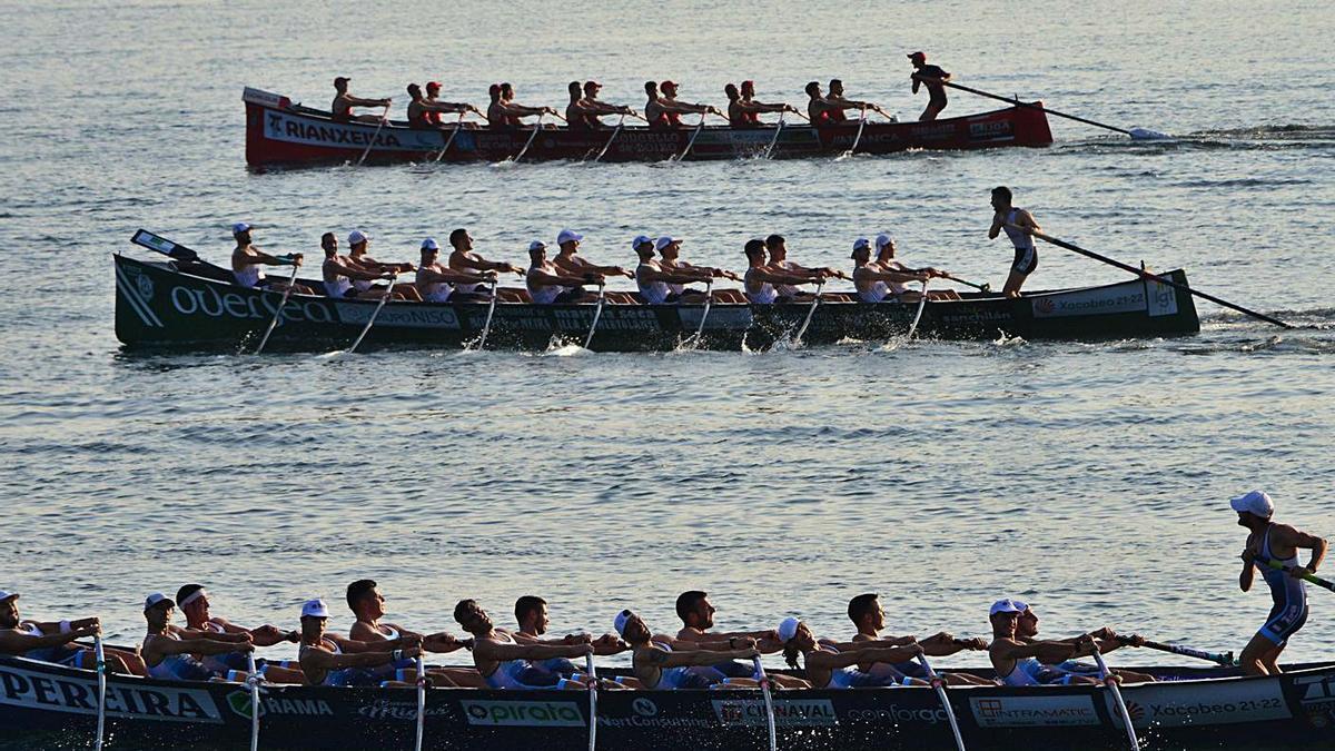 Un momento de la regata del Campeonato de Galicia disputada, ayer, en Meira.    // GONZALO NÚÑEZ