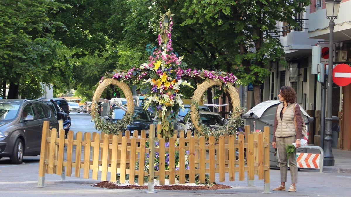 Las cruces de mayo regresan a las calles de València