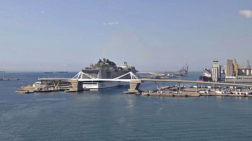 El Port de Barcelona recupera els creuers 14 mesos després