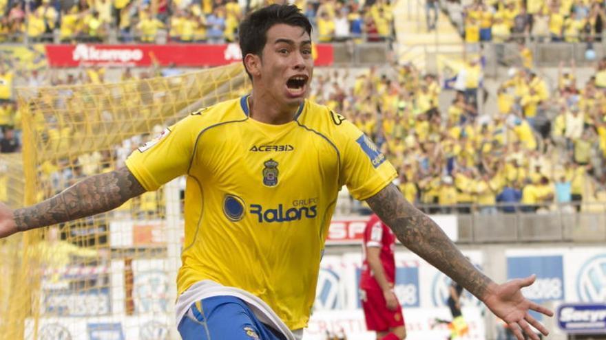 Sergio Araujo se marcha cedido al AEK Atenas