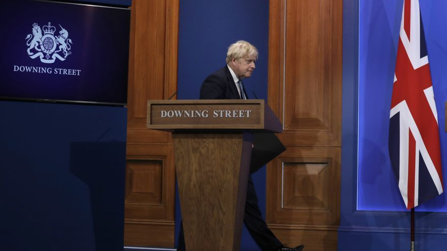 Johnson teme que la variante india frene la desescalada en Reino Unido