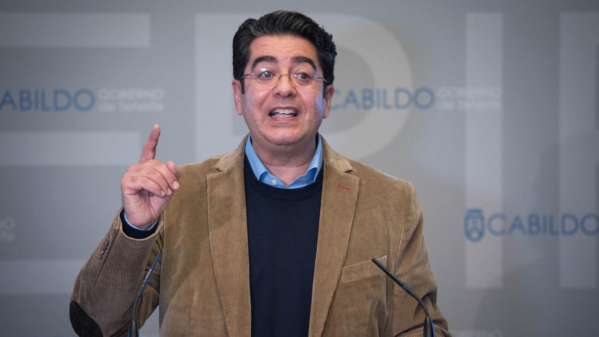 El presidente del Cabildo de Tenerife, Pedro Martín.