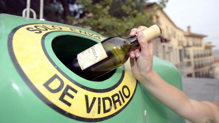 Los españoles reciclan casi ocho millones de envases de vidrio al día