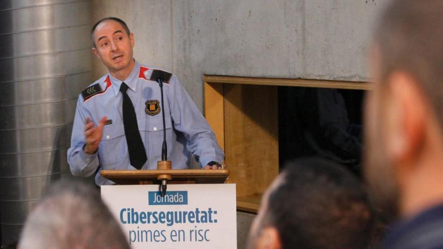 Organitzats i des de l'estranger: així actuen els ciberdelinqüents