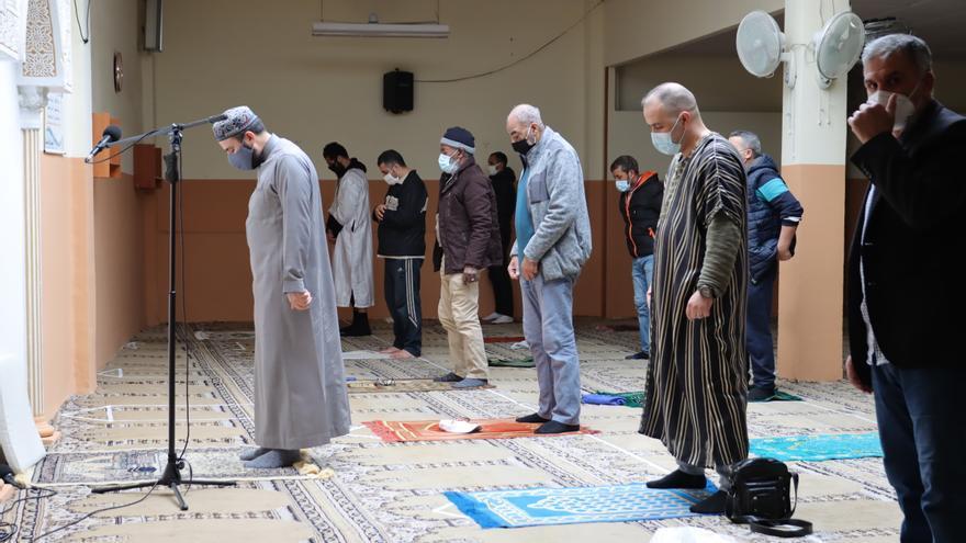 Ramadán con toque de queda