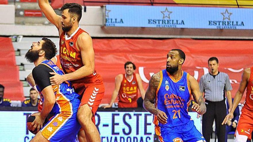 Dubljevic mantiene la racha taronja en la Liga Endesa
