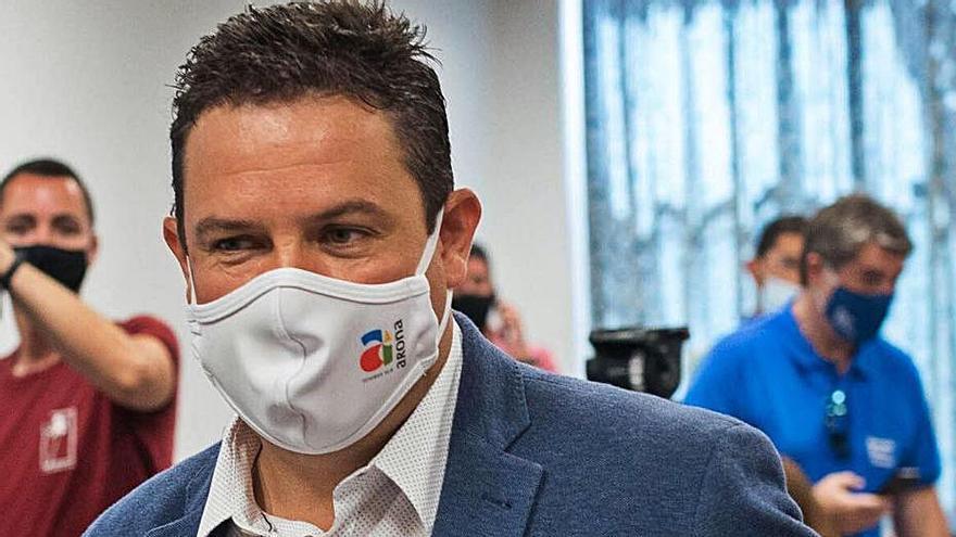 """José Julián Mena: """"Quizá existe miedo  o envidia al progreso de los vecinos"""""""