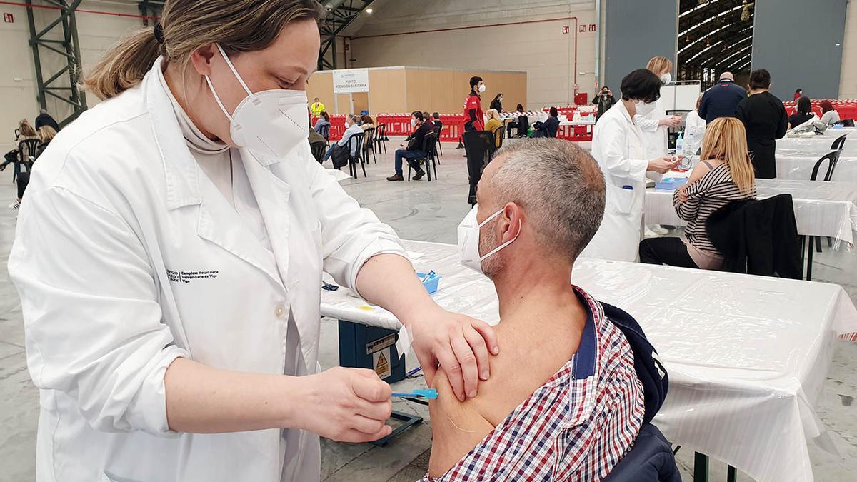 Vacuna contra el COVID en Vigo.
