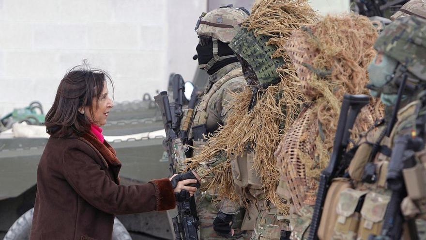 El Gobierno sube unos 100 euros mensuales el sueldo de los militares