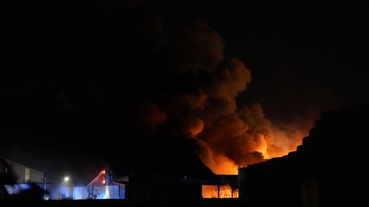 Fuego en las instalaciones de Cobadu en Zamora