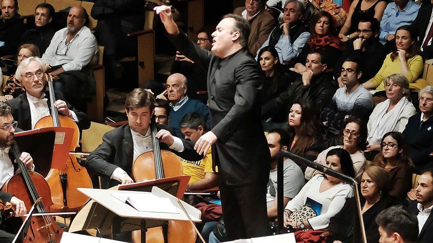 La Comisión Ejecutiva de la Orquesta Filarmónica valora apartar a Chichon