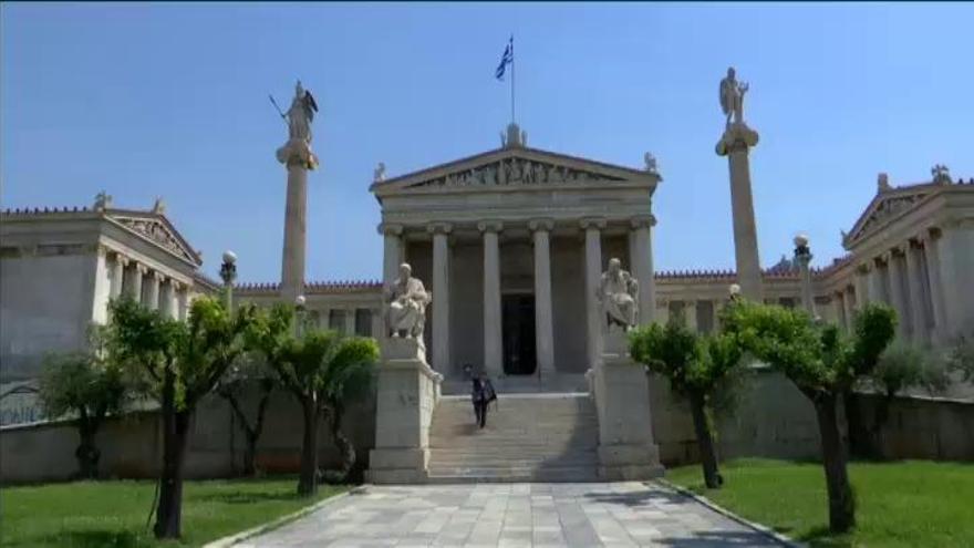 El Eurogrupo desbloquea el pago de 8.500 millones del rescate para Grecia