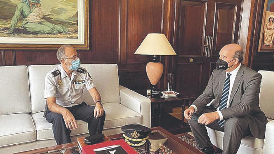 Bienvenida al nuevo jefe superior de Policía en Canarias
