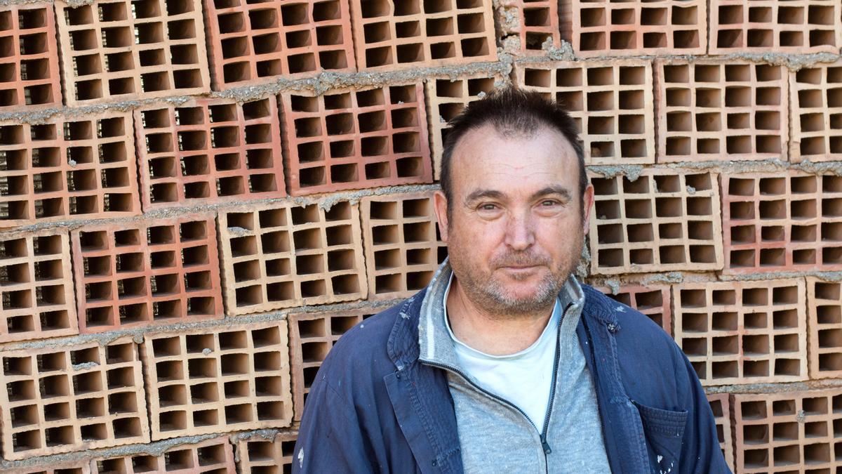 Miquel Barceló, en su tejar de Mallorca.