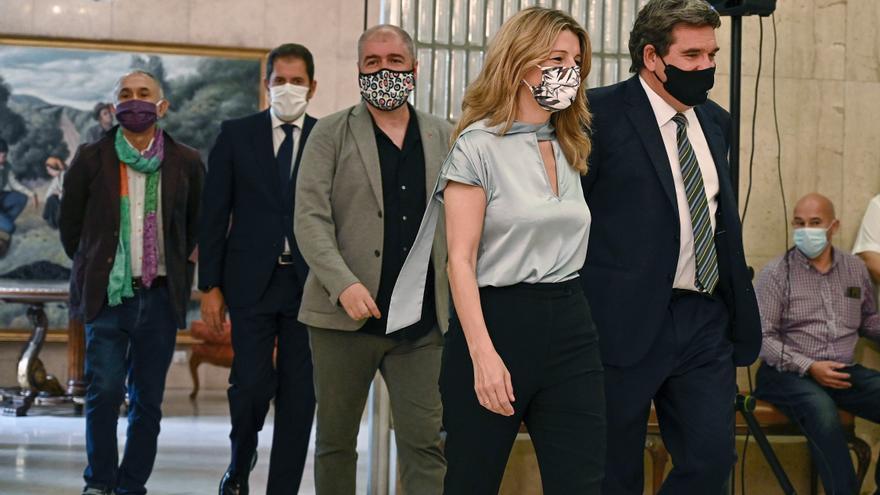 """Díaz celebra el nuevo pacto de los ERTE: """"El acuerdo siempre es posible"""""""