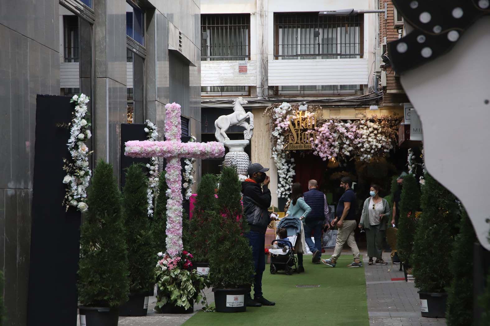 Primer concurso de cruces de mayo para escaparates